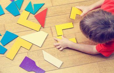 Come creare un giocattolo con materiali di riciclo