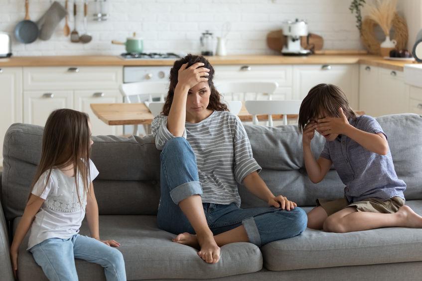 Capricci bambini 2 anni come gestirli e difficoltà dei genitori col concetto di autorità