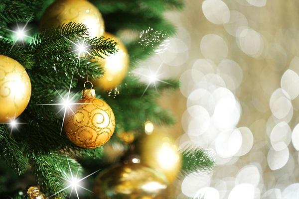 Leggende di Natale: la storia dei fili d'oro e d'argento
