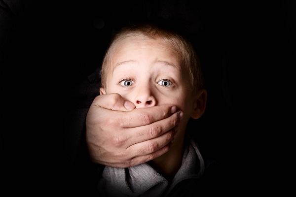 Rapimento bambini: ecco come può succedere (Video)