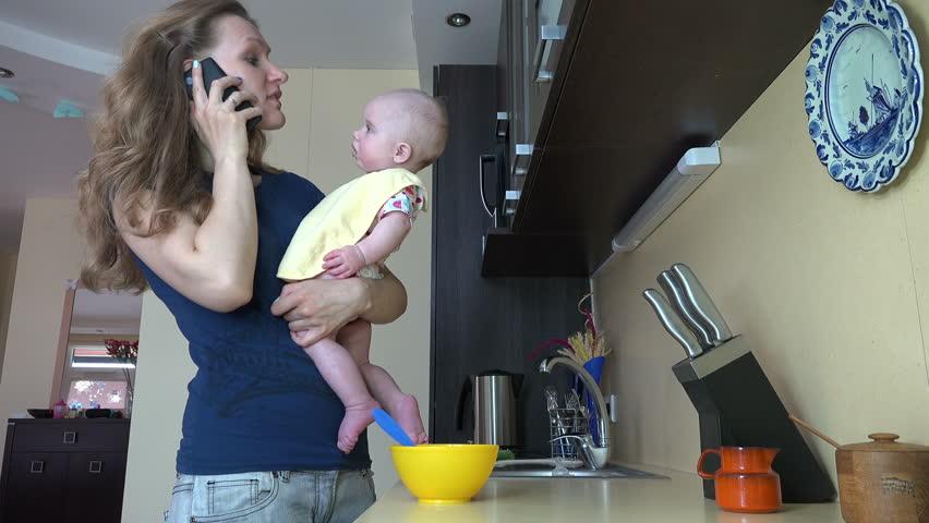uso del cellulare con i neonati