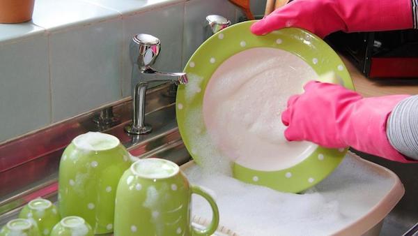 lavare i piatti fa dimagrire ricerca