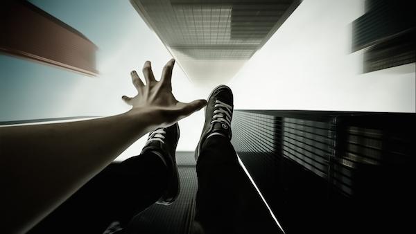 Sognare di cadere, cosa significa