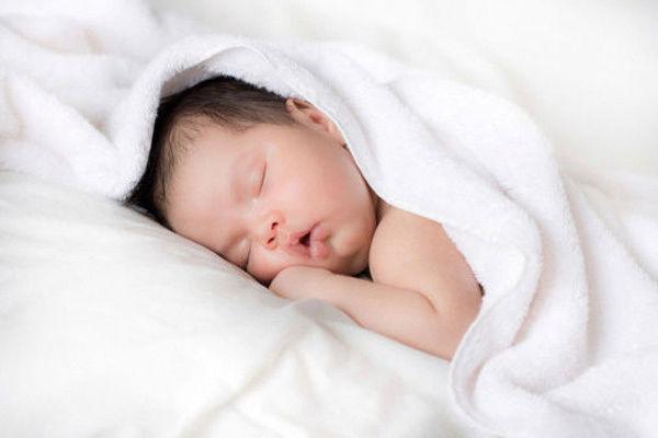 vestiti per neonati corredino