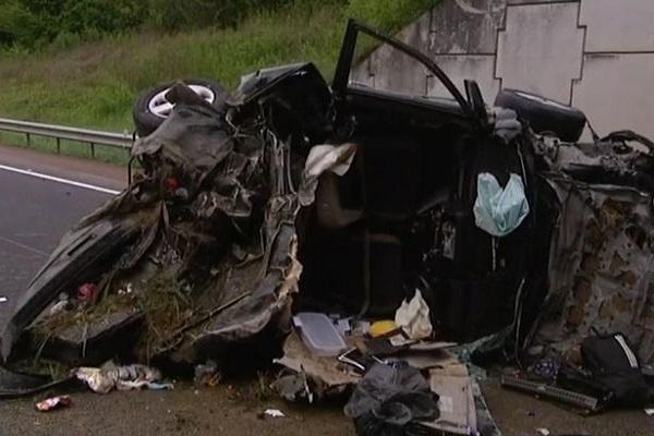 Drammatico Incidente d'Auto: Papà e 2 Figli Perdono la Vita