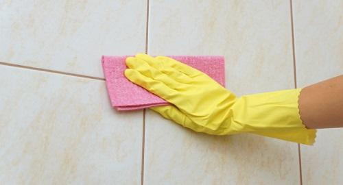 Come pulire le piastrelle del bagno in modo ecologico - Come pulire le fughe del pavimento del bagno ...