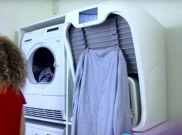 Arriva la macchina che piega e stira da sola il bucato