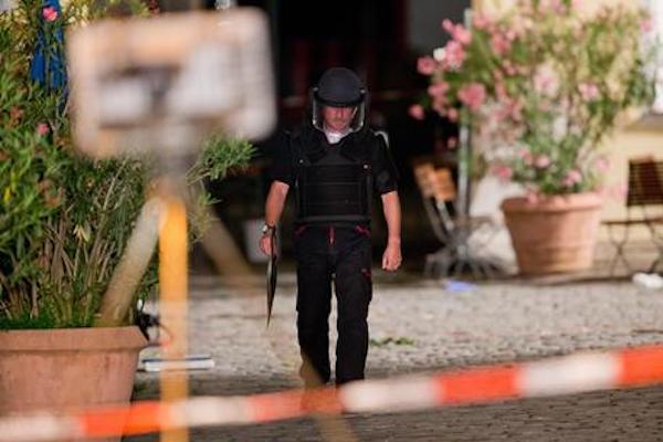 Germania, esplosione in un ristorante ad Ansbach