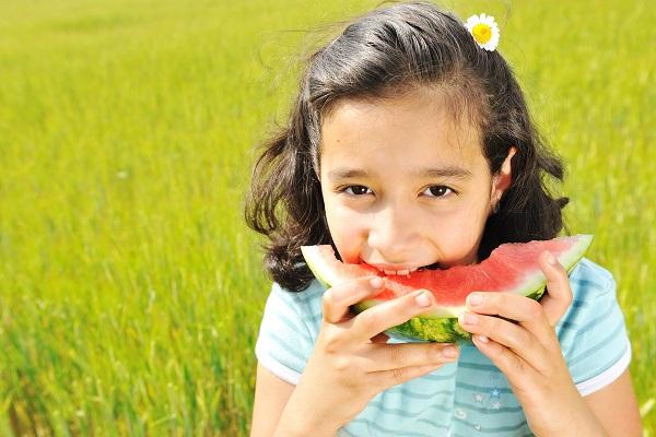 Elicottero Quanta Acqua Porta : Quanta acqua devono bere i bambini in estate