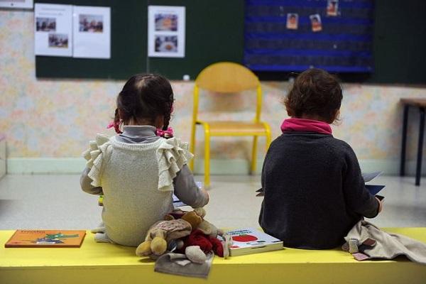 Spinte, botte e urla agli alunni: non chiamatele maestre!