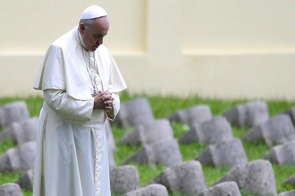 Papa Francesco vieta dispersione ceneri