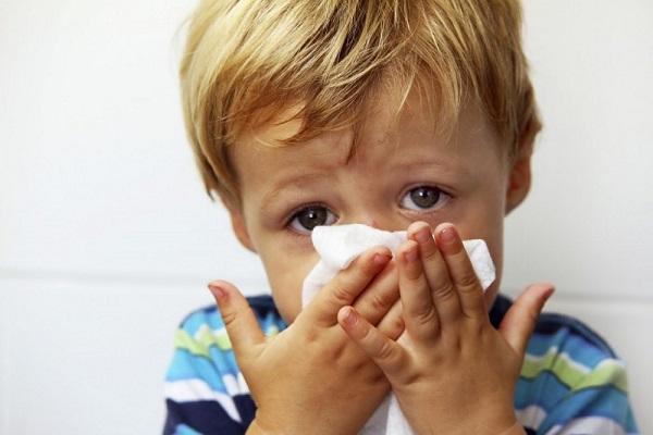 bambino all'asilo si ammala
