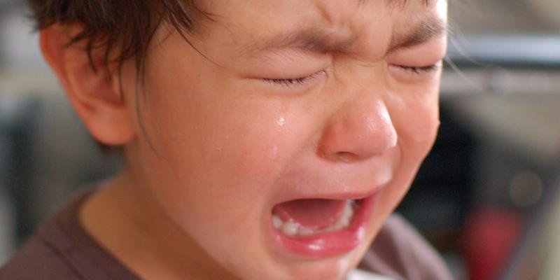 Eccezionale Cosa Fare Quando un Bambino Piange: Frasi da Dire e da NON Dire PY53