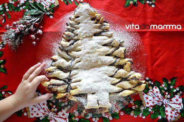 Dolce Di Natale Albero.Albero Di Natale Dolce Ricetta In Pasta Sfoglia E Cioccolato