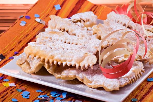 Chiacchiere di Carnevale Fritte e al Forno Ricetta