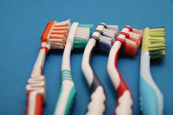 spazzolini da denti pericolosi