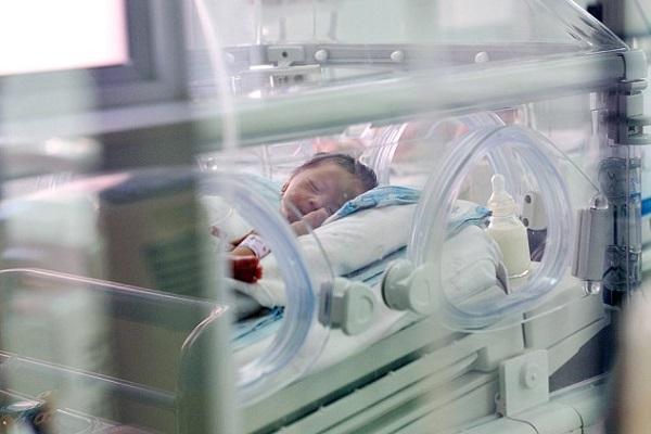 neonata sepolta viva salvata