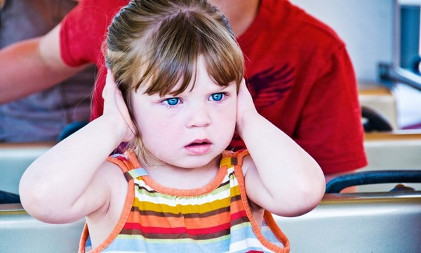 troppo rumore fa male ai bambini perchè li espone a danni