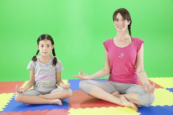 Yoga per le mamme: vrikshasana, la posizione dell'albero