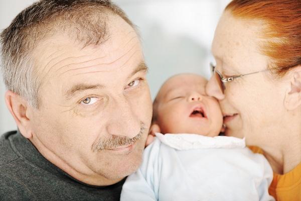 Parenti a casa dopo il parto: 9 cose da non fare
