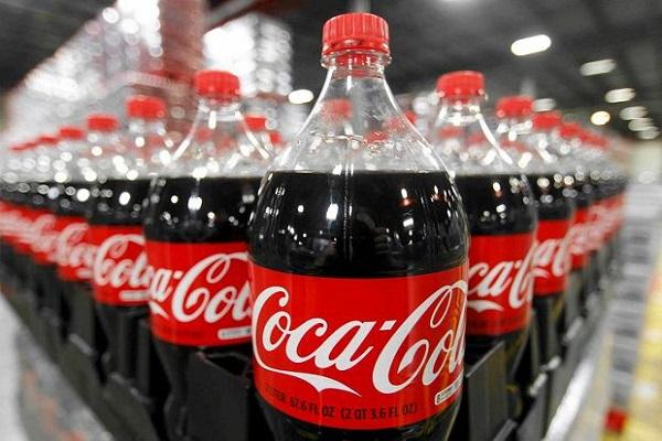 Solfiti nella Coca-Cola, ritirate migliaia di bottiglie da 1,5 litri in Campania