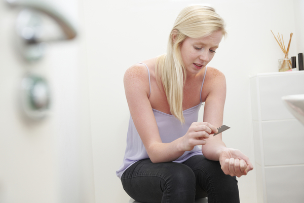 autolesionismo negli adolescenti quali sono i motivi