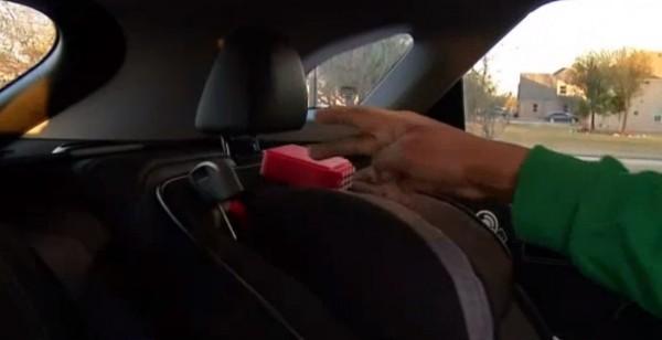Bambini dimenticati in auto: brevettato dispositivo salvavita