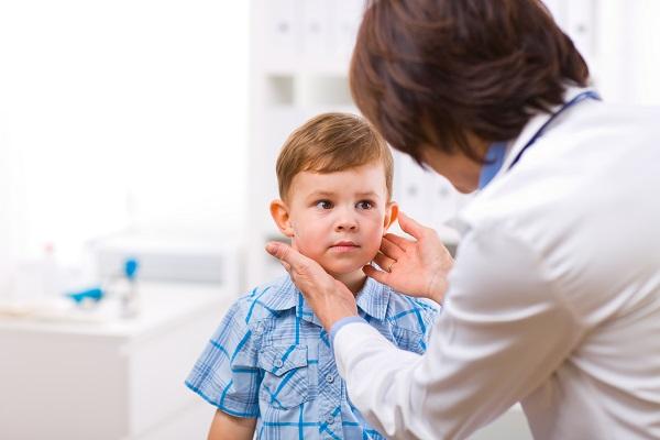 Malanni estivi del bambino, quali sono e come fronteggiarli