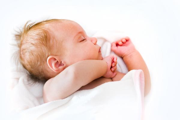 copertina per neonato sonno e salute