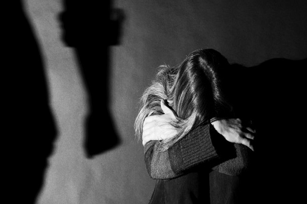 13enne violentata a Milano: arrestato maniaco dell'ascensore