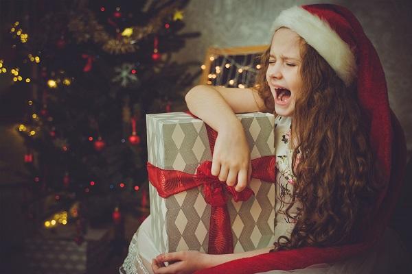 Come dire ai bambini che Babbo Natale non esiste.