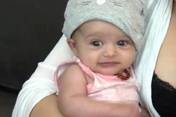 Neonata ferita alla testa durante il parto