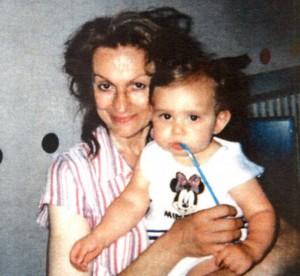 Gabriella Carsano e Luigi Deambrosis bambina data in adozione