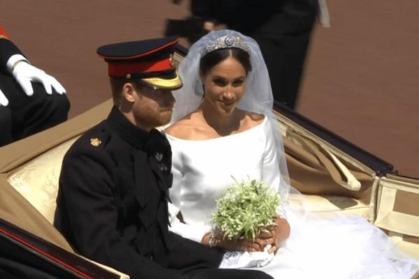 Bouquet di meghan markle ecco dove finito dopo le nozze for Luogo di nozze con cabine