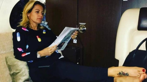 Sonia Bruganelli dice degli italiani che sono pigri