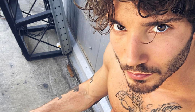 Paura per Stefano De Martino: incidente in autostrada