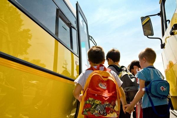 Fuga d'amore (in scuolabus) a soli 9 anni