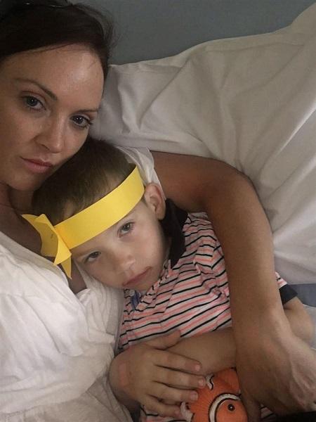 Helen Ross: mamma resta sveglia ogni notte per salvare il figlio