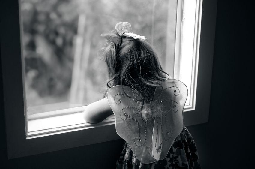 bambina morta suicida