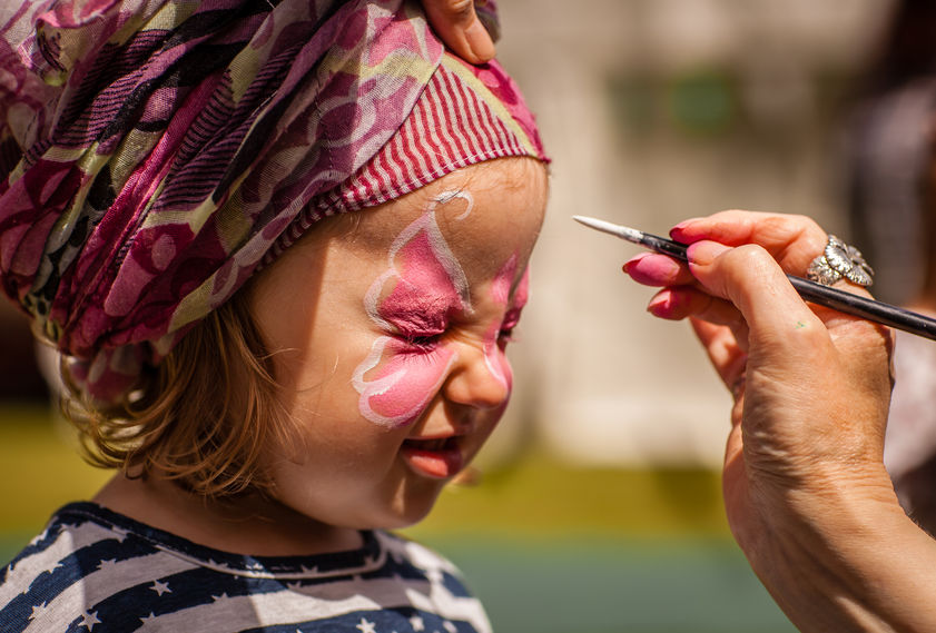 Trucco di carnevale  per bambini senza rischi per la pelle.