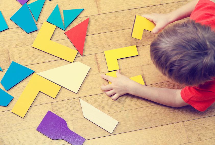 creare un giocattolo con materiali di riciclo