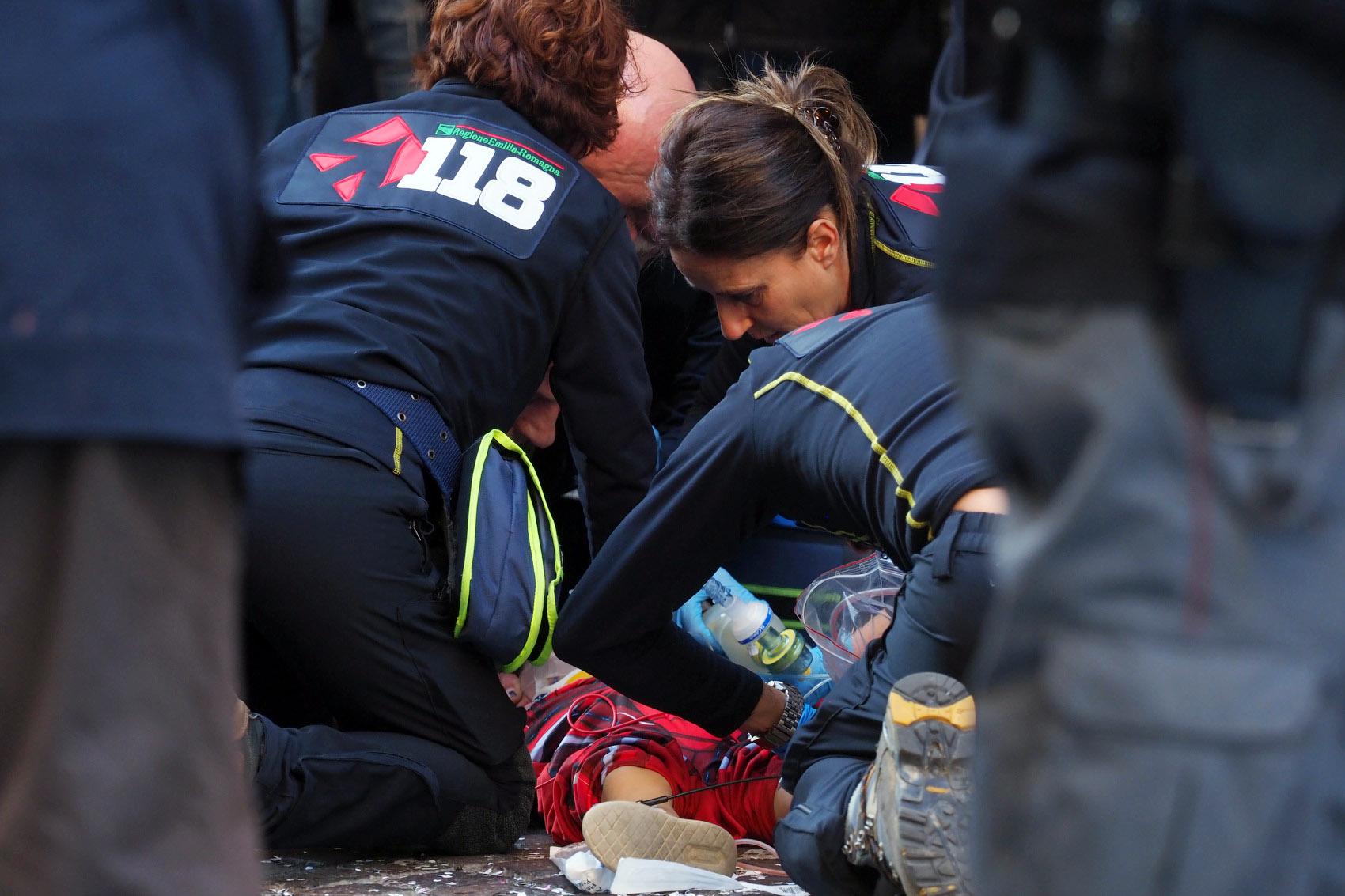 Gianlorenzo Marchisil bimbo caduto dal carro di Carnevale a Bologna