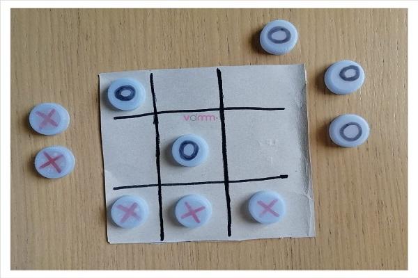 Come creare un giocattolo con materiali di riciclo.