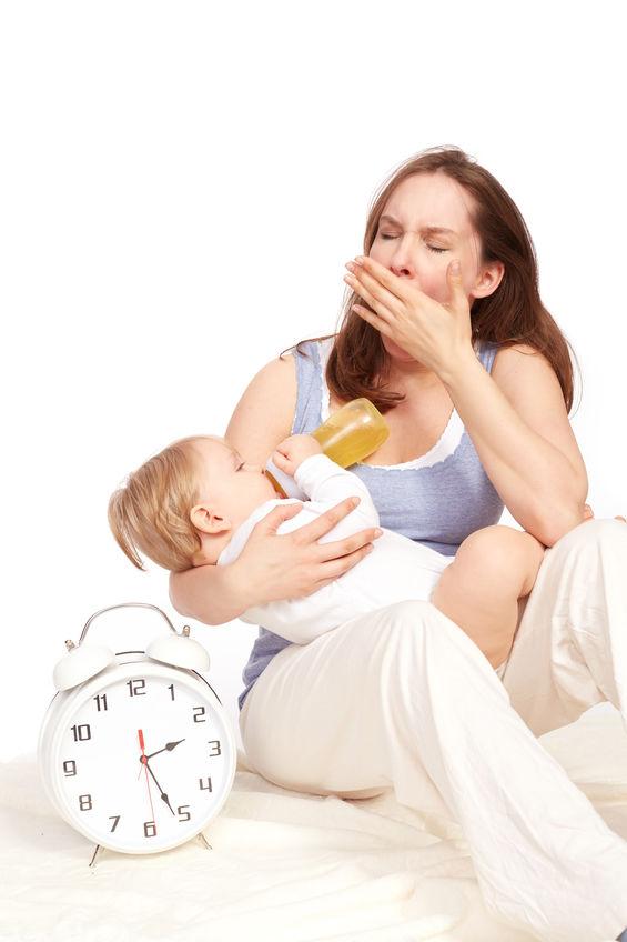 Come recuperare le ore di sonno dopo il parto