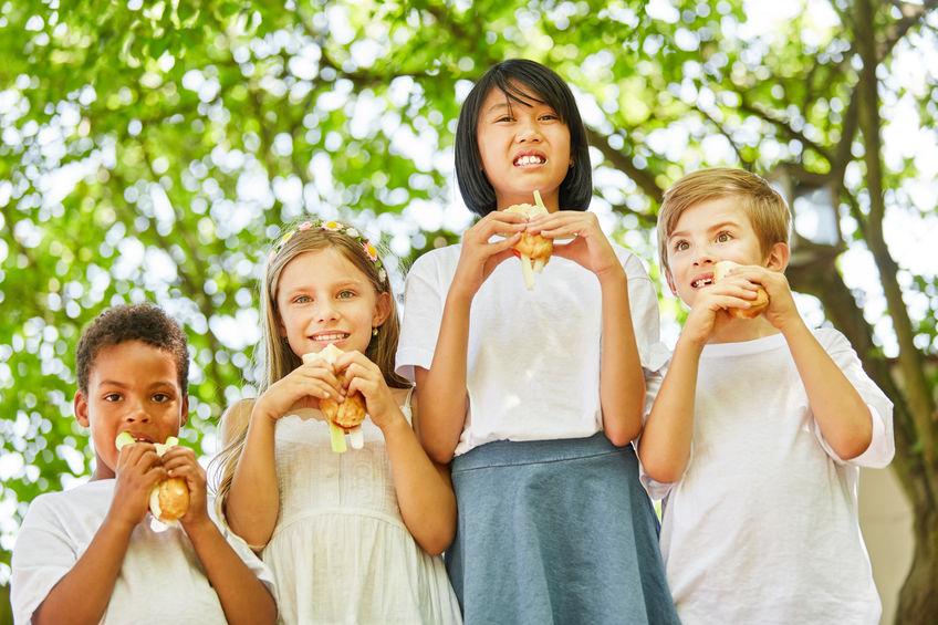 cosa far mangiare ai bambini in estate