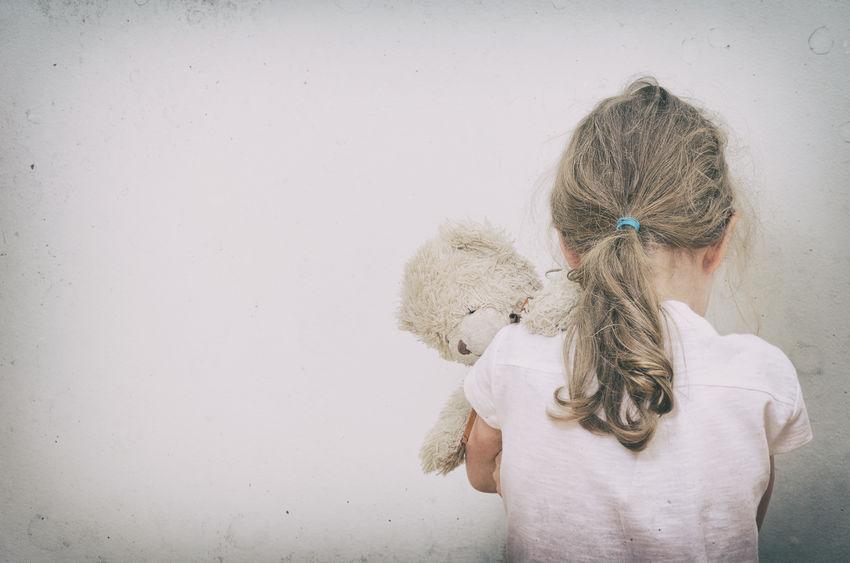 Come toglievano i bambini alle famiglie di Bibbiano
