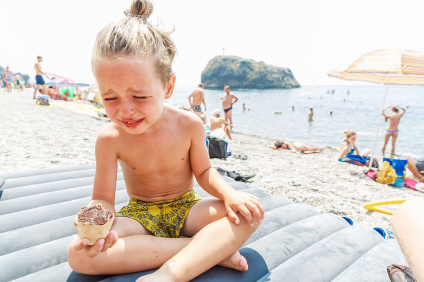 Mamme in spiaggia: iper-vigilanti e iper-pazienti