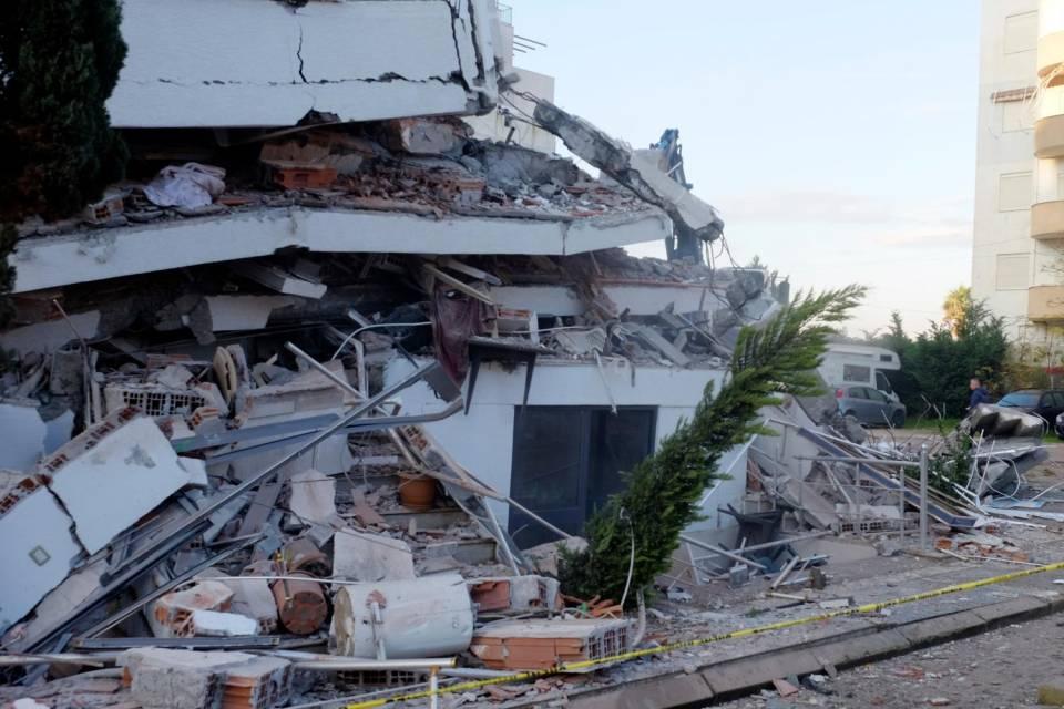 Bilancio delle vittime del terremoto in Albania: