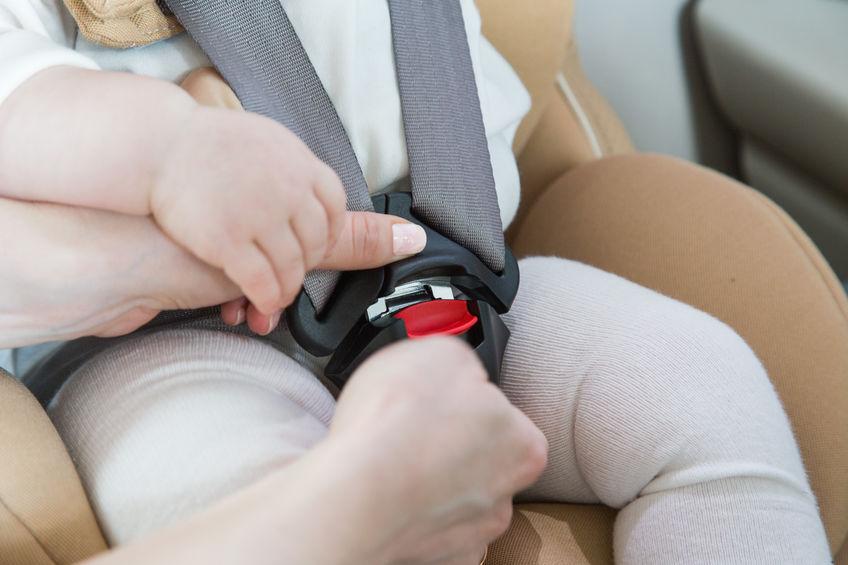 il neonato colpito dall'airbag è deceduto.