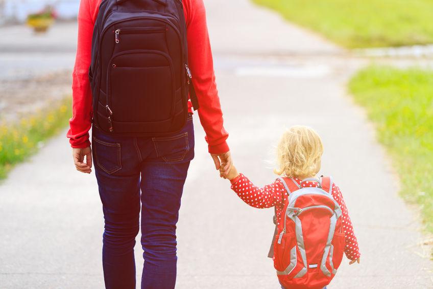 I bambini possono uscire accompagnati da un solo genitore,